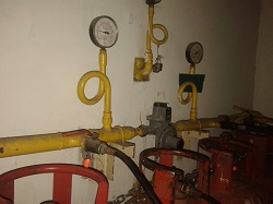 CENTRAL GAS WITH PRESSURRE GAUGE